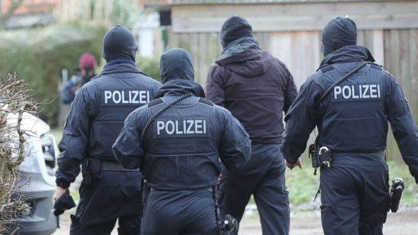 Three Iraqi refugees arrested in foiled German terror plot: Authorities
