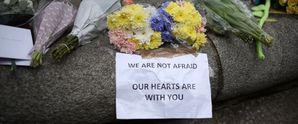 PHOTO: Flowers near the scene of the attack in London, March 23, 2017