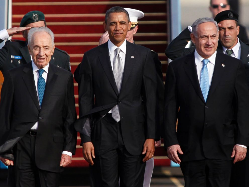PHOTO: Israeli President Shimon Peres, U.S. President Barack Obama and Israeli Prime Minister Benjamin Netanyahu stand together prior to Obama departing from Ben Gurion International Airport, March 22, 2013, in Lod, Israel.