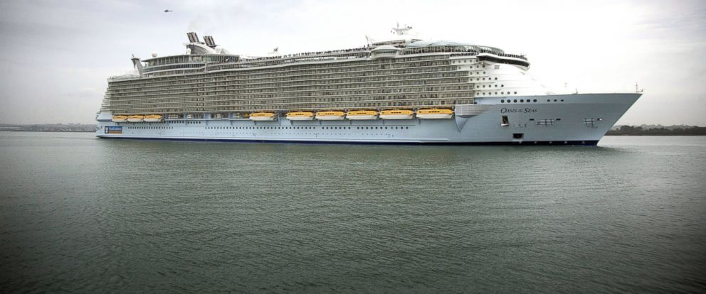 PHOTO: This Oct. 15, 2014 file photo shows the worlds largest cruise ship Oasis of the Seas arriving in Southampton, England.