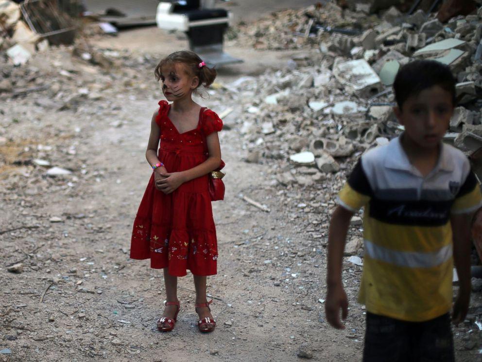 Popular Child Eid Al-Fitr Feast - gty_children_syria_ps_160706_08_4x3_992  Collection_756436 .jpg