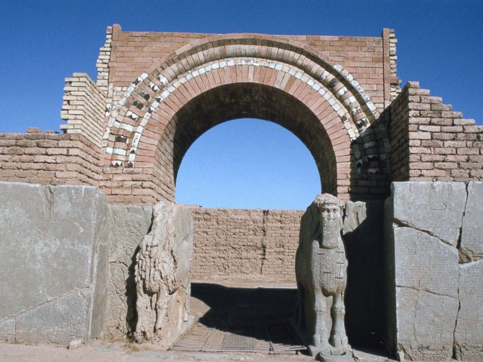 PHOTO: A gate at the Northwest Palace in Nimrud, Iraq, 1977.