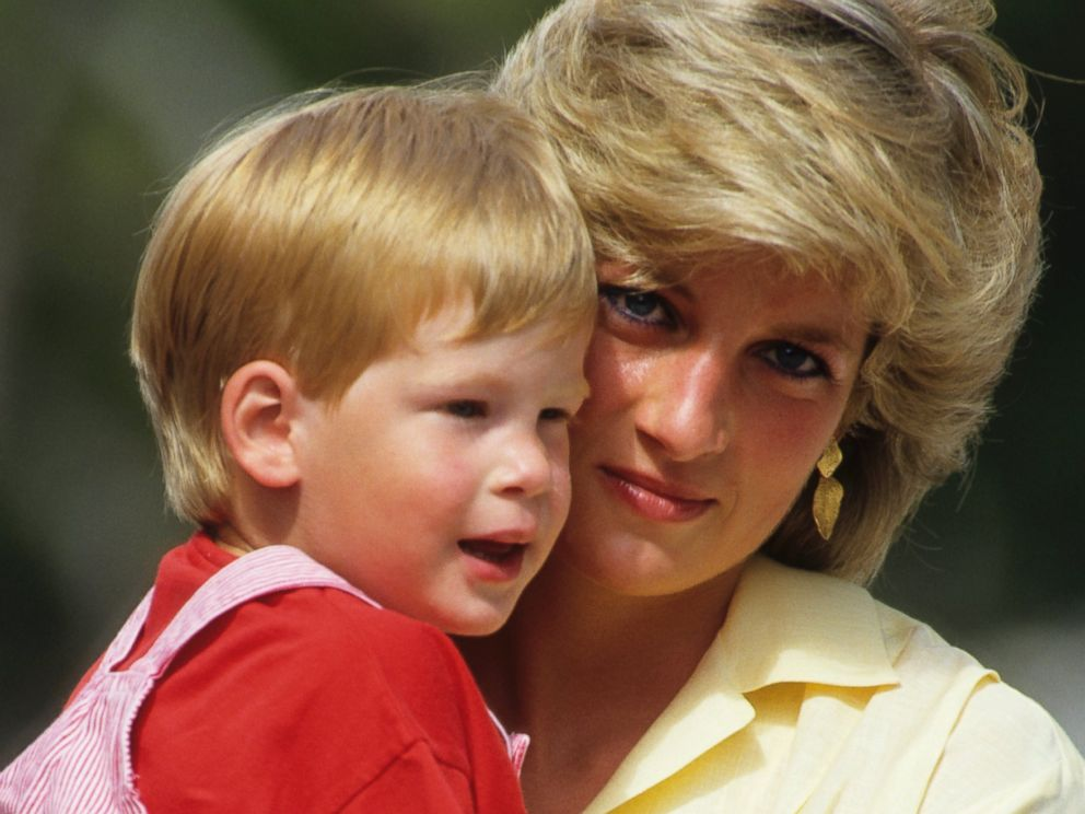 PHOTO: Diana, Princess of Wales with Prince Harry on holiday in Majorca, Spain on Aug. 10, 1987.