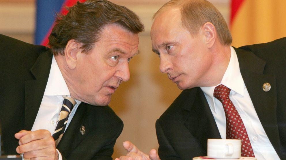 A Look At Vladimir Putin S Bromances With World Leaders Abc News