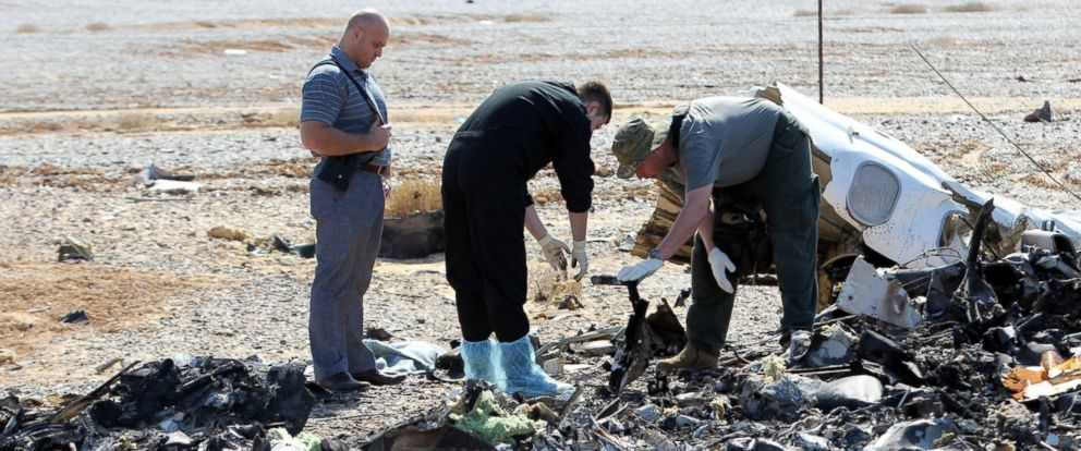 PHOTO: Russian officials inspect the crash site of a Russian Airliner in Suez, Egypt on Nov. 01, 2015. A Russian Airbus-321 airliner with 224 people aboard crashed in Egypts Sinai Peninsula on Oct. 31, 2015.