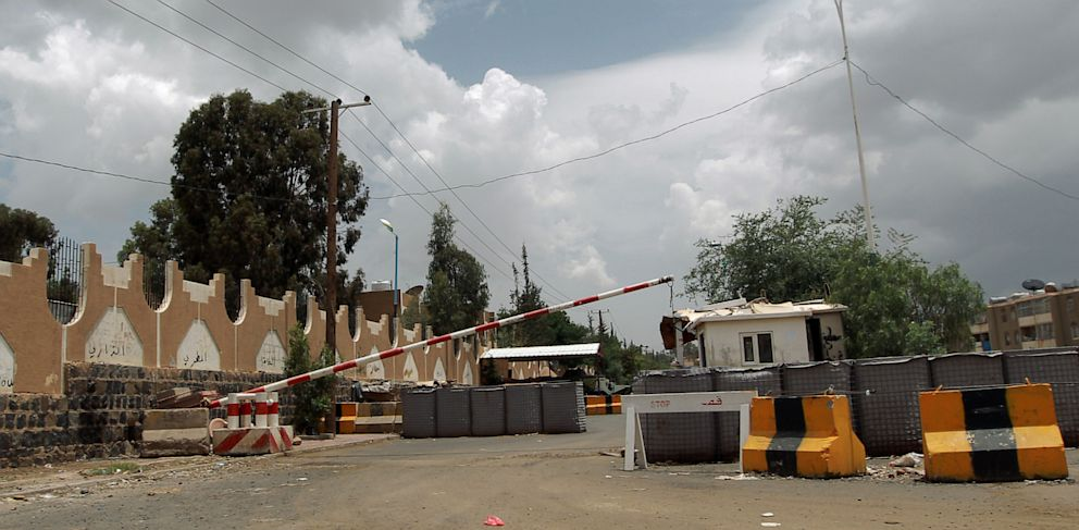 PHOTO: A checkpoint leading to the US embassy compound in the Yemeni capital Saana is seen on August 3, 2013