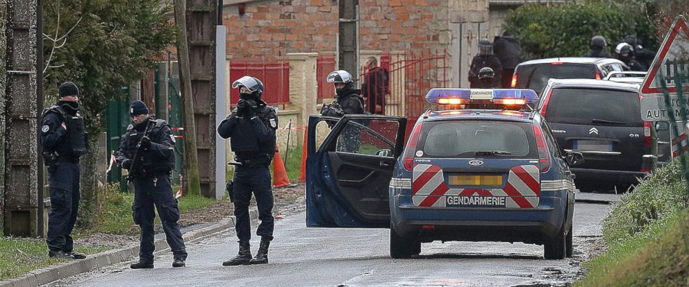 PHOTO: French police special forces are pictured near Villers-Cotterets, north-east of Paris, on Jan. 8, 2015, where the two armed suspects from the attack on French satirical weekly newspaper Charlie Hebdo were allegedly spotted.