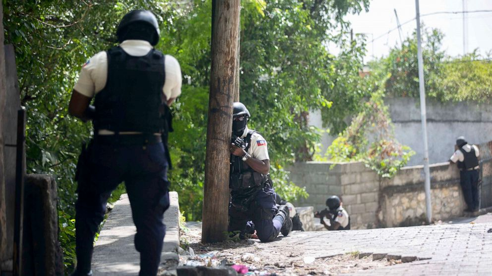 PHOTO: Police search the Morne Calvaire district of Petion Ville for suspects who remain at large in the murder of Haitian President Jovenel Moise in Port-au-Prince, Haiti, July 9, 2021.