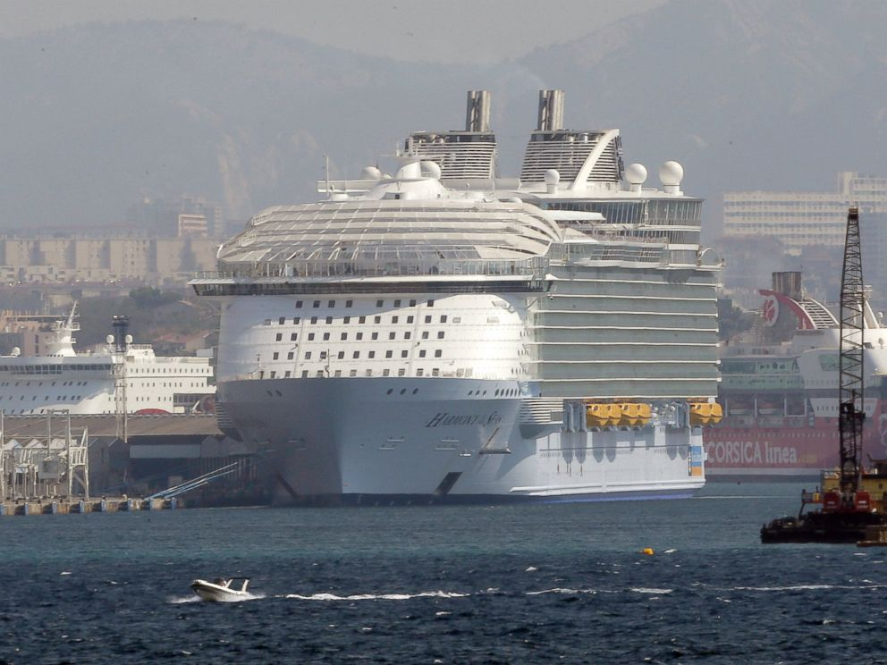 Teen dies after falling from cruise ship, landing on pier