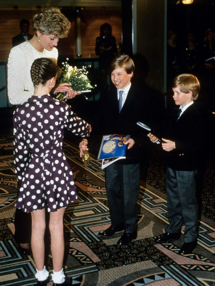 PHOTO: Diana, Princess of Wales, with her sons, Prince William and Prince Harry, visit Great Ormand Street Hospital for Children, April 5, 1992 in London.