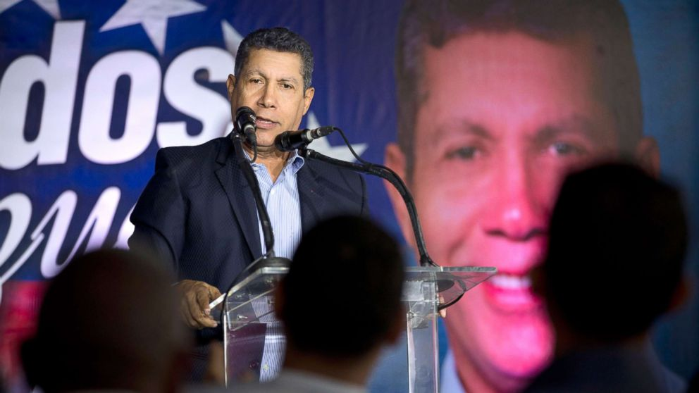 Venezuelan independent presidential candidate Henri Falcon speaks to supporters during a joint event with independent presidential candidate Luis Ratti, in Caracas, Venezuela, May 8, 2018. Ratti withdrew from the electoral contest on Tuesday and announced his support for Falcon, who has established himself as President Nicolas Maduro's main opponent in the presidential elections on May 20.
