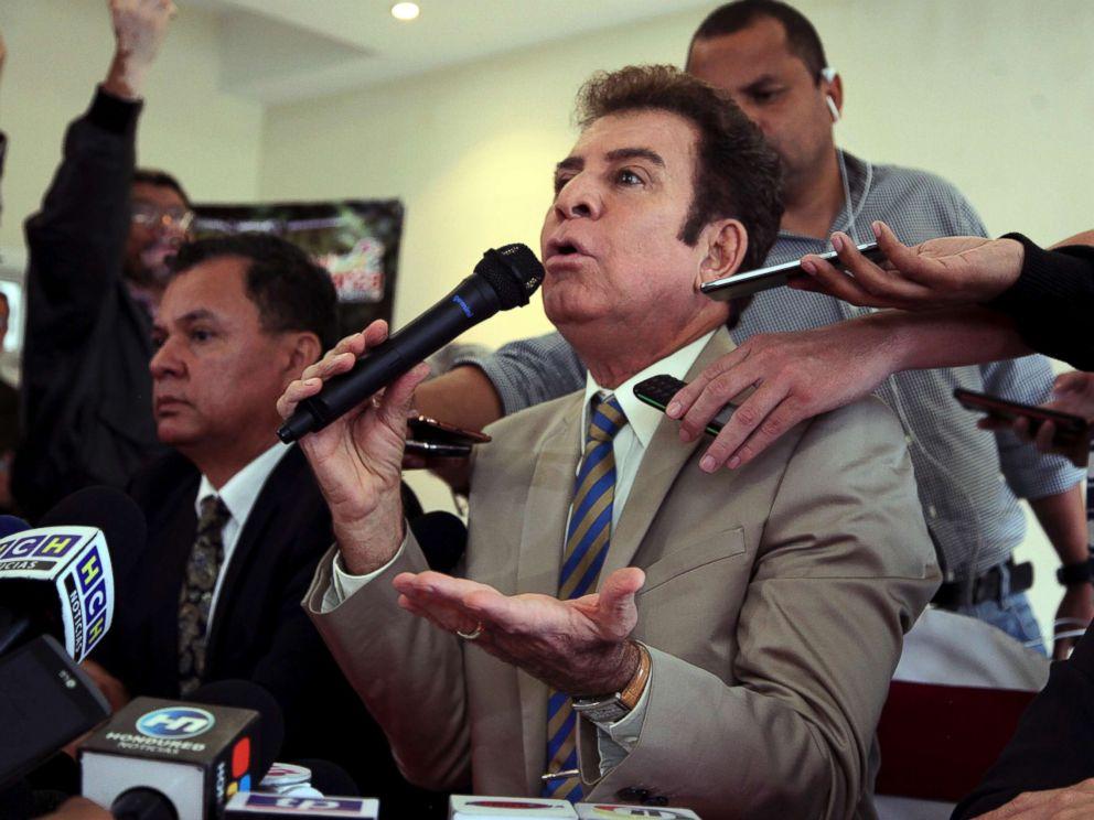 PHOTO: Honduran presidential candidate Salvador Nasralla during a press conference in Tegucigalpa, Honduras, Dec. 22, 2017.