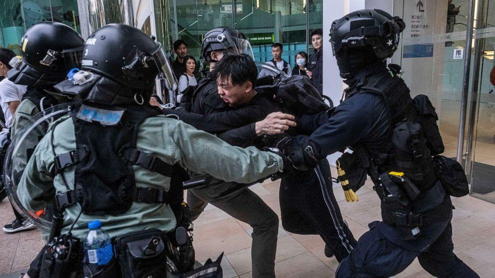 人権組織の本社の入場をお断香港