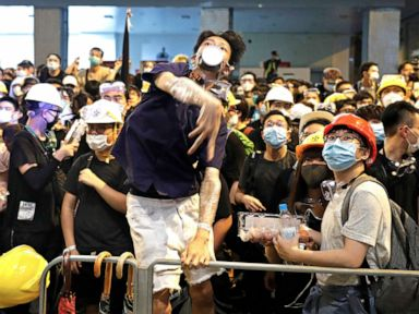 Hong Kong protesters swarm police headquarters, tensions over extradition bill rise