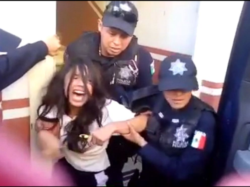 PHOTO: Alondra Luna Nunez, 14, is forcibly taken from her family in Mexico and sent to the U.S.