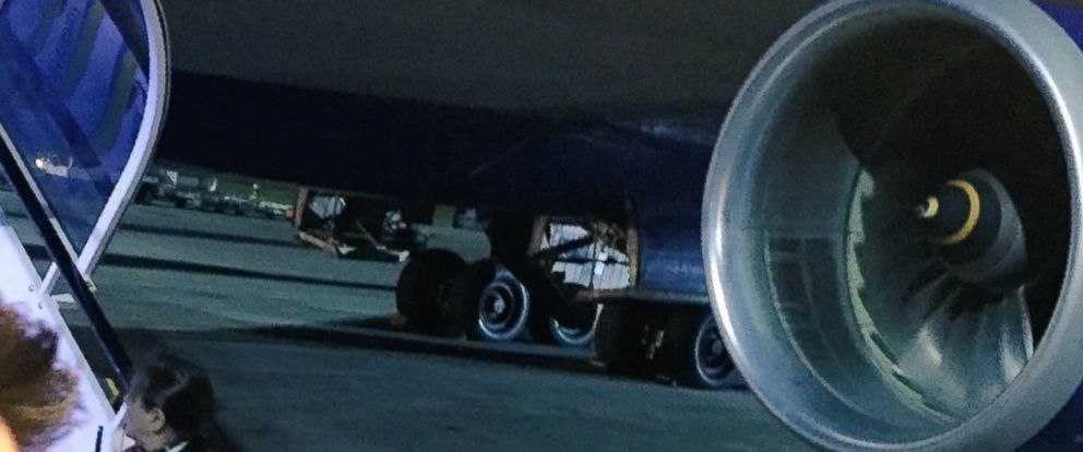 PHOTO: The landing gear of a British Airways flight forced to return to Heathrow Airport several hours after taking for Chicago on Saturday, January 30, 2016.
