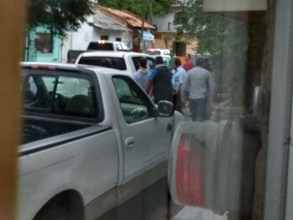 PHOTO: Officials take Ethan Couch into custody in Puerto Vallarta, Mexico on Dec. 28, 2015. <p itemprop=