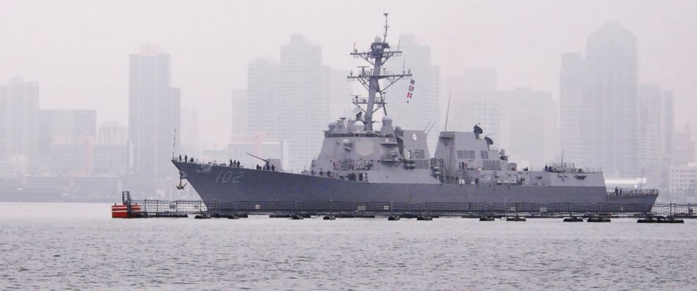 PHOTO: The guided-missile destroyer USS Sampson transits San Diego Bay on Feb. 24, 2012.