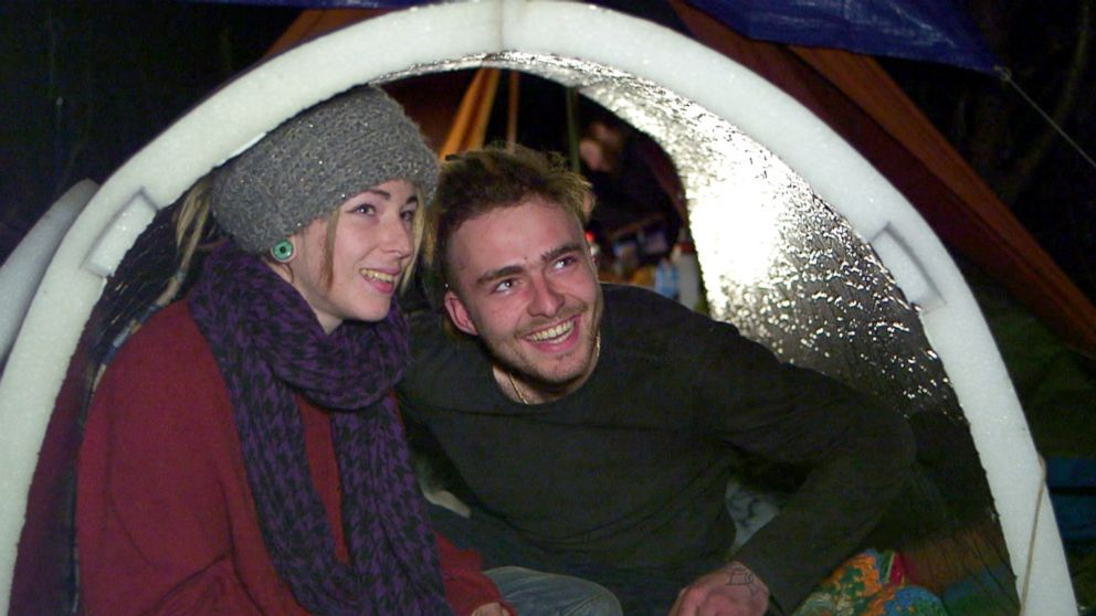 Oceane and her boyfriend Benjamin were given an igloo two weeks ago and are having much better nights since they sleep inside the experimental shelter.