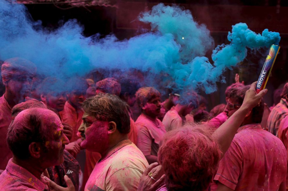 Holi 2018 Quotes: Traditional Sayings for the Hindu Festival of Colors