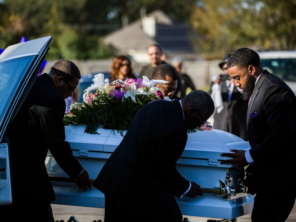 PHOTO: The casket of Jazmine Barnes is removed from the funeral hearse to be taken inside the Community of Faith Church for a memorial service, Jan. 8, 2019, in Houston.