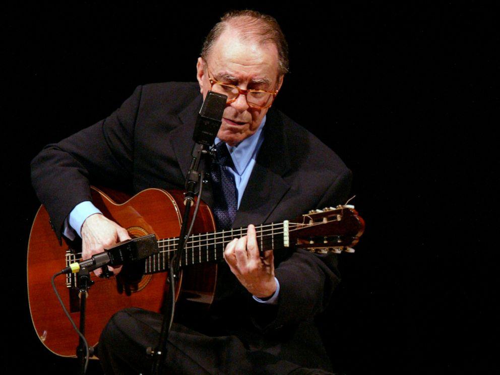 Brazil Mourns Musician Joao Gilberto Father Of Bossa Nova Abc News