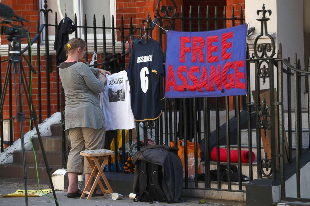 PHOTO: Supporters of Julian Assange, who remains inside the Ecuadorian embassy, place messages of support on railings around the embassy in central London, July 23, 2018.