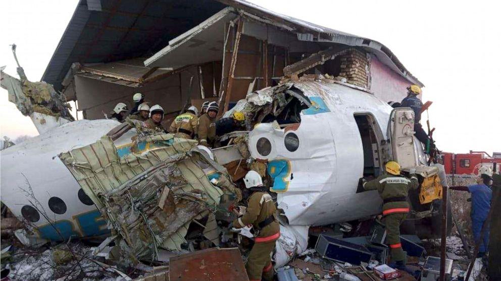 Setidaknya 12 tewas setelah kecelakaan pesawat pada saat lepas landas dari Kazakhstan bandara