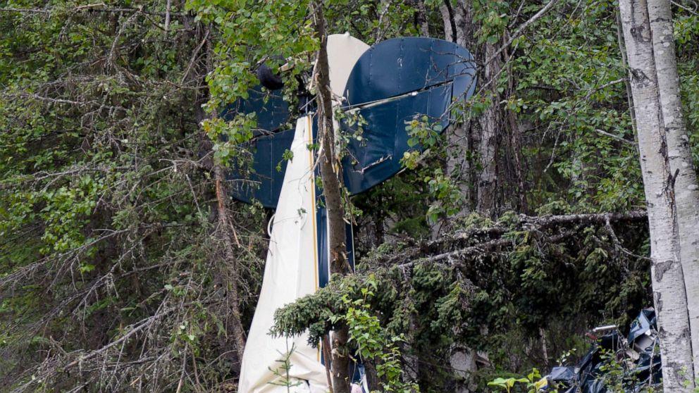 7 dead, including Alaska state legislator, after planes crash midair thumbnail