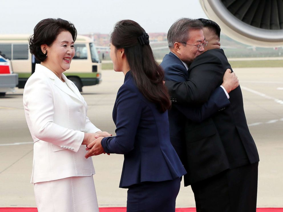 PHOTO: North Korean leader Kim Jong Un welcomes South Korean president Moon Jae-in and at North Korean citizens at Sunan International Airport, Pyongyang North Korea. Sep 18, 2018.