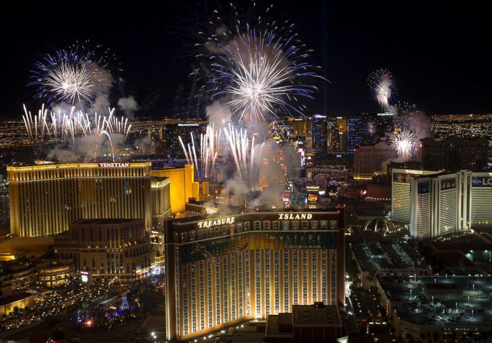 PHOTO: New Years fireworks explode over Las Vegas, Jan. 1, 2018.