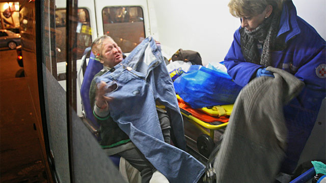 PHOTO: Dr. Elizaveta Glinka tending to Moscow homeless