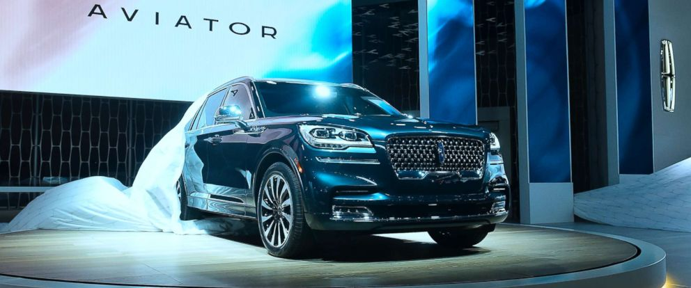 PHOTO: The new Lincoln Aviator is unveiled during the Lincoln Motors press conference on display in Los Angeles on Nov. 28, 2018.