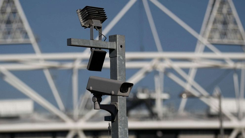 Controversial facial recognition technology being rolled out by London police, alarming privacy groups