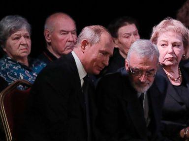 Putin attends funeral of legendary human rights activist