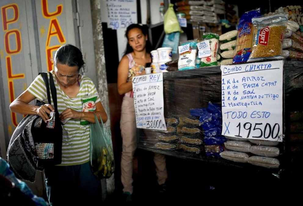 PHOTO: Yaneidi Guzman, 38, goes shopping for groceries in Caracas, Venezuela, Feb. 19, 2019.