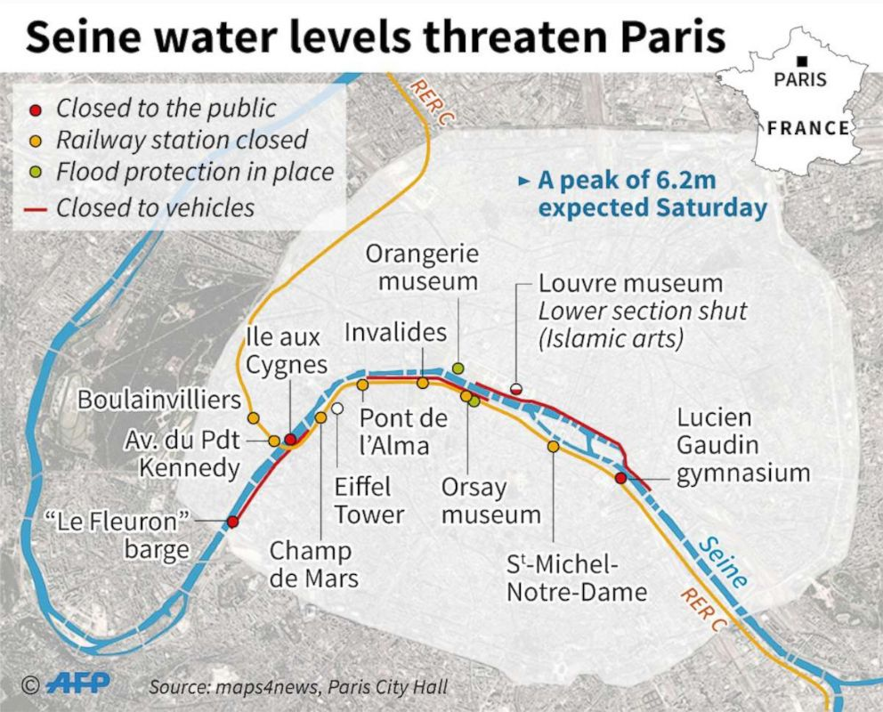 Map shows areas of Paris affected by flooding.