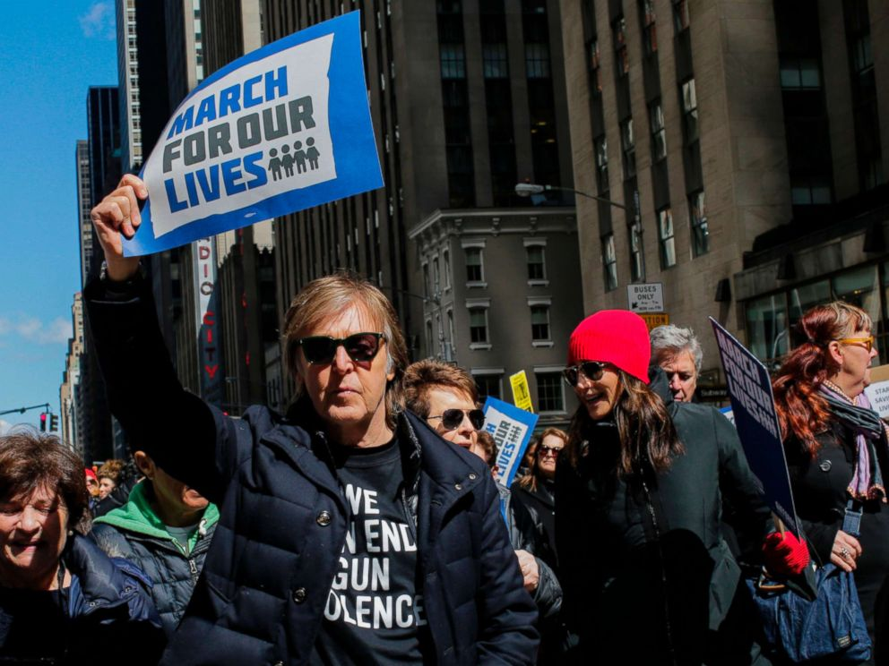 PHOTO: Paul McCartney takes part in the March for Our Lives Rally near Central Park West in New York, March 24, 2018.