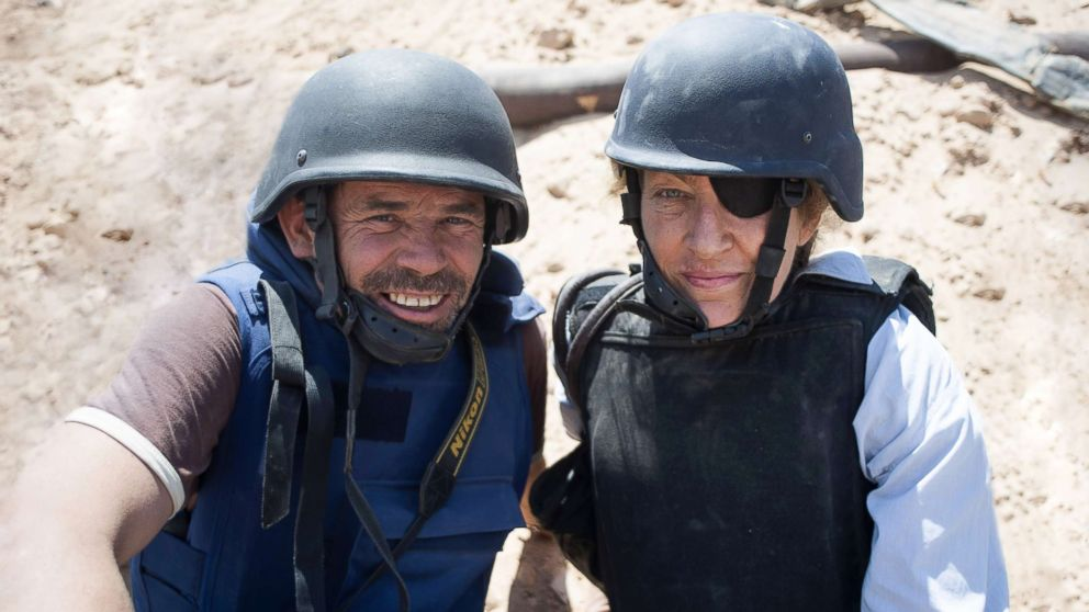 """The documentary """"Under the Wire"""" looks at the careers of war correspondent Marie Colvin and her photographer Paul Conroy, pictured here in Misrata, Libya, in 2011."""