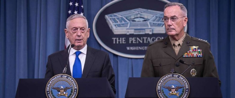 PHOTO: Defense Secretary Jim Mattis, left, and chairman of the Joint Chiefs of Staff Gen. Joseph Dunford hold a press conference at the Pentagon in Washington on Aug. 28, 2018.