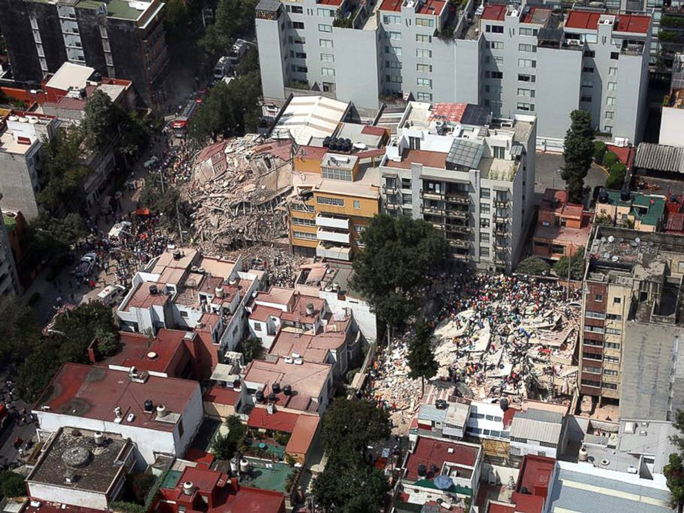 PHOTO: An aerial view shows hundreds of people during rescue work amidst collapsed buildings following a 7.1 magnitude earthquake, in Mexico City, on Sept. 19, 2017.
