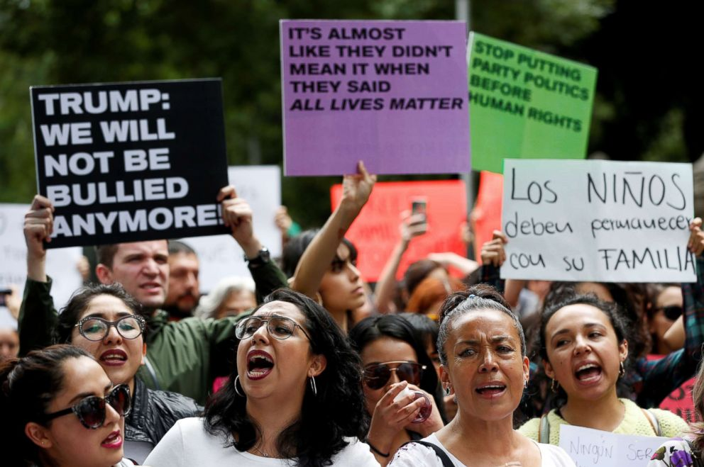 PHOTO: Women yell slogans during a protest against U.S. immigration policies outside the U.S. embassy in Mexico City, Mexico, June 21, 2018.