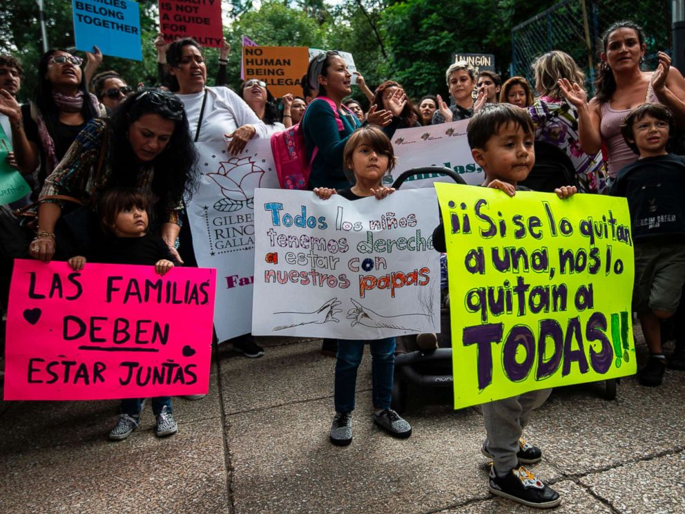 PHOTO: Children take part in a protest against U.S. immigration policies outside the U.S. embassy in Mexico City on June 21, 2018.