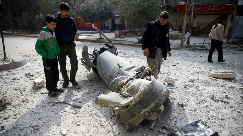 Airstrikes continue to pound Eastern Ghouta ahead of UN vote