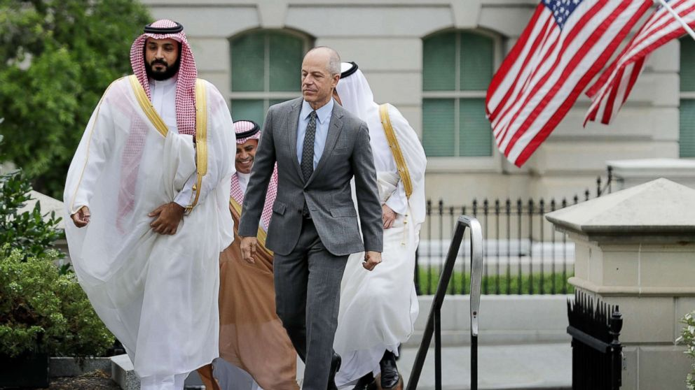 Deputy Crown Prince and Minister of Defense Mohammed bin Salman of Saudi Arabia  is escorted by U.S. Deputy Chief of Protocol Mark Walsh as they walk into in the White House on June 17, 2016 in Washington.