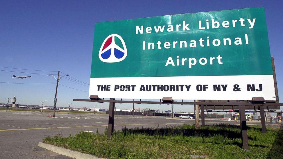 Emergency landing forces temporary shutdown at Newark Airport thumbnail
