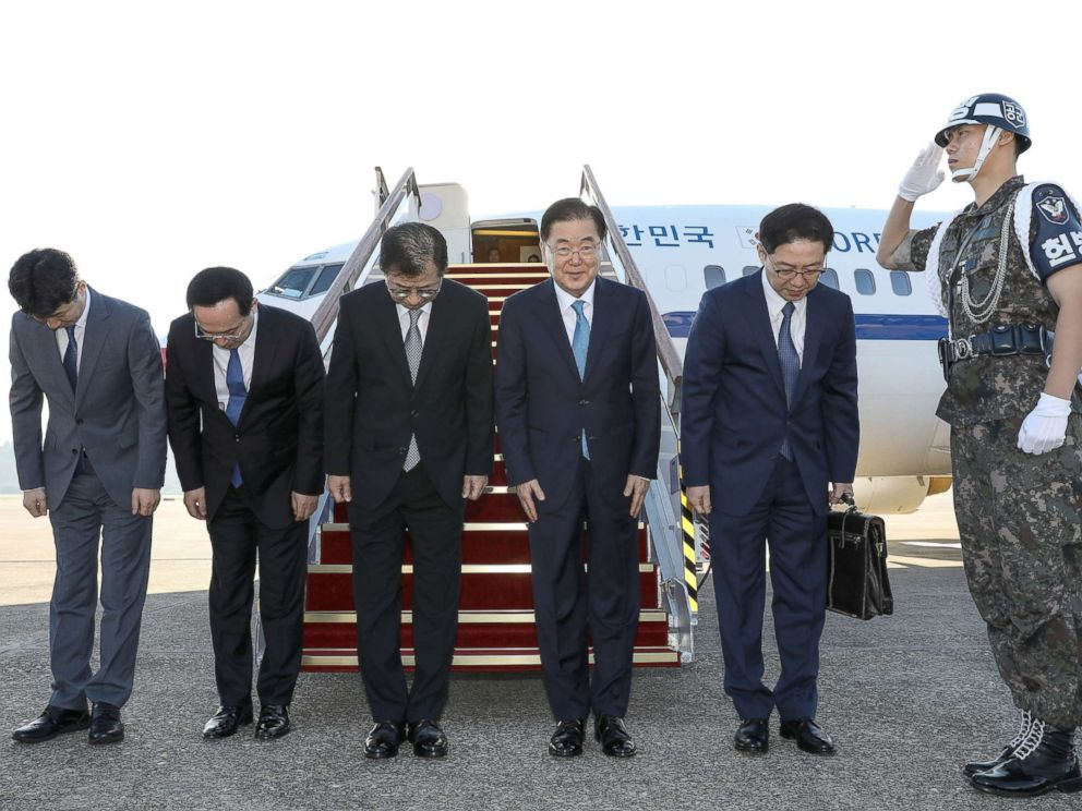 PHOTO: South Korean special envoys led by the chief of the national security office at Seouls presidential Blue House, Chung Eui-yong, leave for Pyongyang from an airport in Sungnam city, South Korea, Sept. 5, 2018.