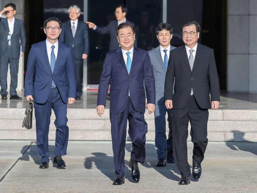 PHOTO: South Korean special envoys led by the chief of the national security office at Seoul?s presidential Blue House, Chung Eui-yong, leave for Pyongyang from an airport in Sungnam city, South Korea, Sept. 5, 2018.