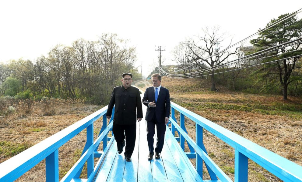 PHOTO: North Korean leader Kim Jong-Un talks with South Korean President Moon Jae-In at the Peace House on Joint Security Area (JSA) on the Demilitarized Zone (DMZ) in the border village of Panmunjom in Paju, South Korea, April 27, 2018.
