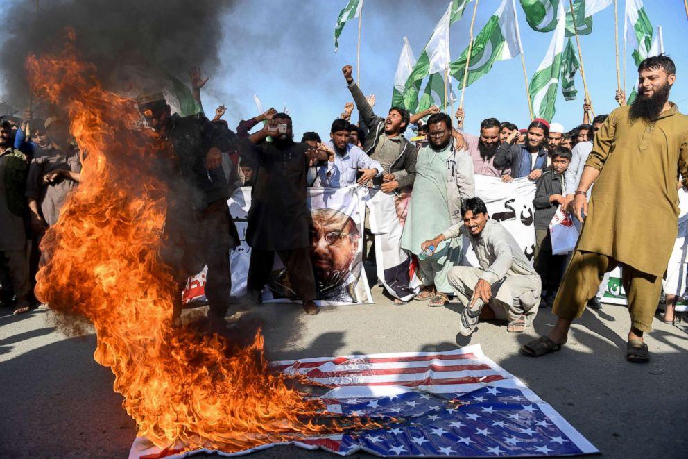 PHOTO: Activists of the Difa-e-Pakistan Council shout anti-US slogans at a protest in Karachi, Jan. 2, 2018.
